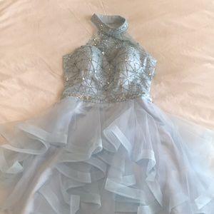 Dresses & Skirts - Elegant Homecoming dress!